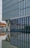Milano, ITALIA architettura moderna del FEBBRAIO 2019 nel nuovo quadrato Adriano Olivetti nel sud della città, ricostruzione di u immagini stock