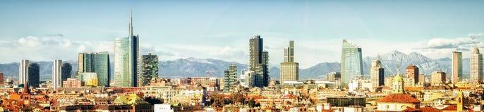 Milano (Italia), collage panoramico dell'orizzonte Immagine Stock Libera da Diritti