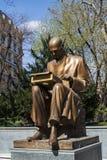 Milano, Italia, Europa, Indro Montanelli, monumento, bronzo, scultura, giornalista, giornalismo, giardini pubblici di Indro Monta immagine stock libera da diritti