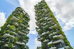 MILANO, ITALIA - 28 MAGGIO 2017: Bosco Verticale Vertical Forest l Immagine Stock Libera da Diritti