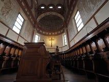 MILANO, ITALIA - 3 MAGGIO 2018: La chiesa interna del delle Grazie di Santa Maria dettaglia l'altare ed il coro L'Italia Immagini Stock
