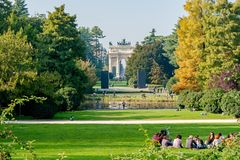 Milano, Italia - 19 ottobre 2015: Parco di Sempione fotografia stock libera da diritti