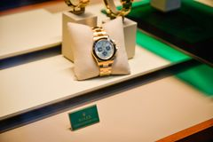 Milano, Italia - 24 settembre 2017: Orologi di Rolex in un deposito dentro Immagine Stock
