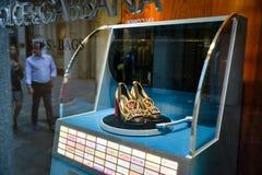 Milano, Italia - 24 settembre 2017: Scarpa di Dolce Gabbana in un DNG Immagini Stock