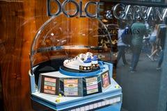 Milano, Italia - 24 settembre 2017: Scarpa di Dolce Gabbana in un DNG Fotografia Stock