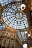Milano, Italia Soffitto di vetro decorato nella galleria di Vittorio Emanuele Fotografia Stock Libera da Diritti