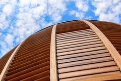 Milano, Italy 22 2017 Czerwiec: kopuła sufit wierza Drewniany kopuła szczegół Naturalni materiały tak jak drewno używają Zdjęcie Royalty Free