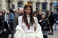 Milano, Milano, donne adatta l'inverno 2015 2016 di autunno di settimana Fotografie Stock Libere da Diritti