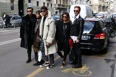 Milano, Milano, donne adatta l'inverno 2015 2016 di autunno di settimana Immagini Stock