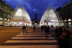 Milano, Milano, vista del castello e expogate quadrati Fotografia Stock Libera da Diritti