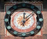 Milano - reloj en Castello Sforzesco, castillo de Sforza Foto de archivo libre de regalías