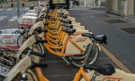 Milano roweru udzielenia eco projekt w centrum miasta obrazy royalty free