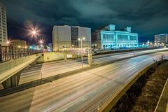 Milawaukee威斯康辛市地平线在晚上 库存照片
