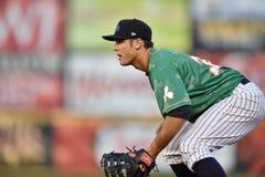 2014 MiLB - baseballinfieldförsvar Royaltyfri Fotografi