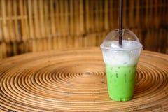 Milch des grünen Tees Stockbilder