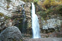 Milchiger Wasserfall Stockbild