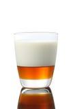 Milchmischung mit Honig für Ihr gesundes lizenzfreie stockfotos