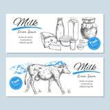 Milchproduktfahnen, Aufkleber Milchprodukt- und Bauernhoflandschaft mit Kuh Milch, Klumpen, Jogurt, Käse und anderer lizenzfreie abbildung