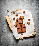 Milchschokolade im Papier Lizenzfreies Stockbild