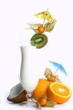 Milchshakecocktail und -nachtisch chery Stockbilder