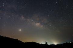 Milchstraßegalaxie mit Sternen und Raum wischen im Universum, lang ab Lizenzfreies Stockfoto