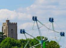 Mildenhall Suffolkkyrka med mässajordritten Royaltyfria Bilder