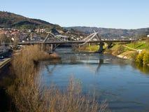 Milenium Brdige nel fiume di Miño a Ourense Fotografia Stock