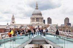 Milenium Bridżowy Saint Paul Londyn Zdjęcie Royalty Free
