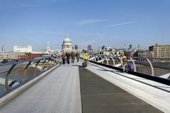 Milenium most przy Rzecznym Thames Zdjęcie Royalty Free