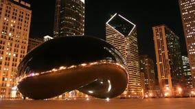 Milenium park: Fasoli lub chmury brama przy nocą Obraz Stock