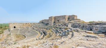 Miletus gammalgrekiskastad i Didim, Aydin, Turkiet Fotografering för Bildbyråer