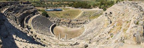 Miletus turk Milet, teaterpanoramautsikt, Turkiet Arkivbilder
