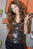 Miley Cyrus sur le tapis rouge. Photos libres de droits
