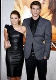 Miley Cyrus y Liam Hemsworth fotografía de archivo