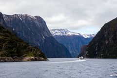 Milford Correcte Bergen in Water stock foto