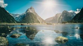 Milford dźwięk w Nowa Zelandia zdjęcia royalty free