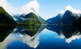 Milford Sound, Fiordland,新西兰 库存图片