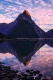 Milford Sound en el amanecer Fotografía de archivo
