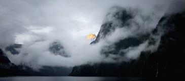 Milford Sound & x28; Nova Zelândia & x29; Imagem de Stock Royalty Free