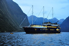 Milford Sound, Nueva Zelandia Imagenes de archivo