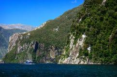 Milford Sound In qualche luogo in Nuova Zelanda Fotografia Stock