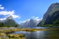 Milford Sound In qualche luogo in Nuova Zelanda Fotografia Stock Libera da Diritti