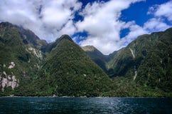 Milford Sound In qualche luogo in Nuova Zelanda Immagini Stock Libere da Diritti
