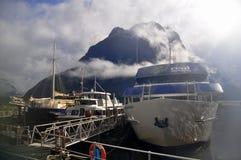 Milford Sound que cautiva fotos de archivo