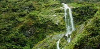 Milford Sound vattenfall royaltyfria bilder