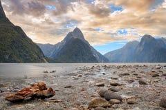 Milford Sound y rama Fotografía de archivo