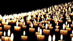 Milhares de velas na noite, fim acima, dof