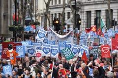 Milhares março a favor de NHS Foto de Stock Royalty Free