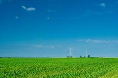 Milho de campo e torre dois Fotografia de Stock
