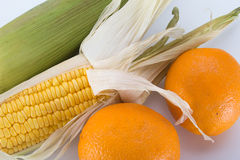 Milho doce com laranja Imagens de Stock